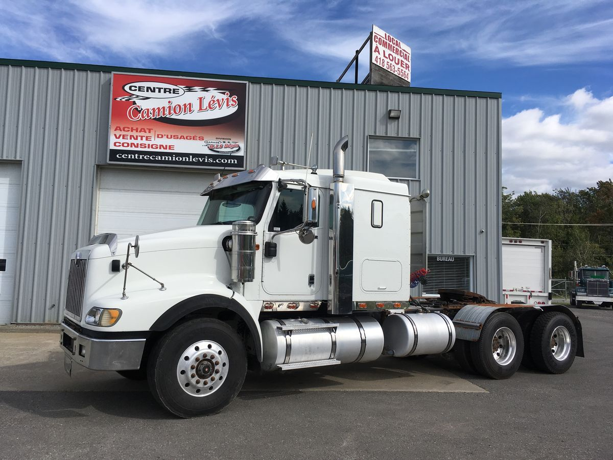 2009 International 5900I - Mileage: 665,779 km - Exterior color: White - Interior color: Beige - Doors: 2 doors - Engine: ISX 500 - Power: 500 HP - Couple: 1850 - Traction: Full lock - Brakes: To the air - Axle spacing: 62 inches - Jacob engine brake: Yes - Exhaust: double - Transmission: 18 speeds - Front axle: 16,000 lbs - Rear axles: 46,000 lbs - Differential: 46,000 lbs - Ratio: 3.91 - Suspension: In the air of 52,000 lbs - Cabin: With berth - Wheels: Aluminum - Tires: 11R22.5 - Berth: 42 inches - AC: 108 inches - Wheelbase: 230 inches  Please note that we have two places where vehicles can be, either in Lévis or Saint-Georges. We suggest that you contact one of our experienced advisors to be informed of the geolocation of the vehicle before traveling.