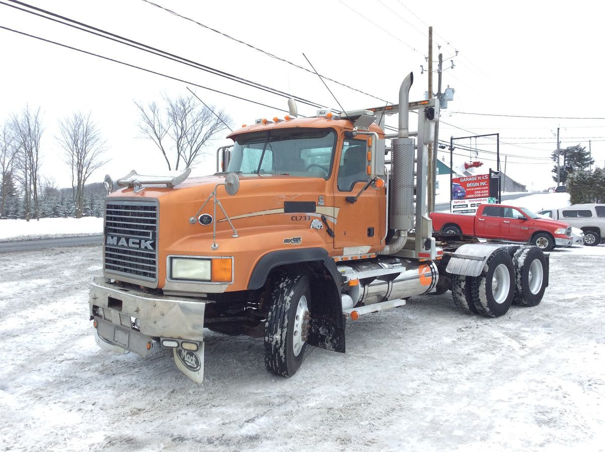 2004 MACK CL733 - Stock number: M2369 - Exterior color: Orange - Interior color: Brown - Odometer: 922.638 km - Number of hours: 19,473 h - Brakes: Air - Axle spacing: 55 inches - Front axle: 20,000 lbs - Rear axle: 46,000 lbs - Differential: Rockewll - 46,000 lbs - Traction: Full lock - Wheelbase: 210 inches - Wheels: Aluminum - Tires: 11R24.5 - Suspension: Air - CA: 139 inches - Chassis: Simple - Jacob: Yes - Engine: Cummins ISX 15.0L - Power: 565 hp - Torque: 2,050 lbs - Transmission: 18 Speeds - Ratio: 4.56 - Exhaust: Simple - Price on request only  Note that we have two places where vehicles can be located, in Lévis or Saint-Georges. Please contact one of our advisers to be informed of the location of the vehicle before traveling.